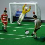TIPP-KICK Spielkonfigurator Filzspielfeld klein mit Bande | 2 Netztore | Star-Keeper gelb/rot | Nationalteams (unten eingeben)